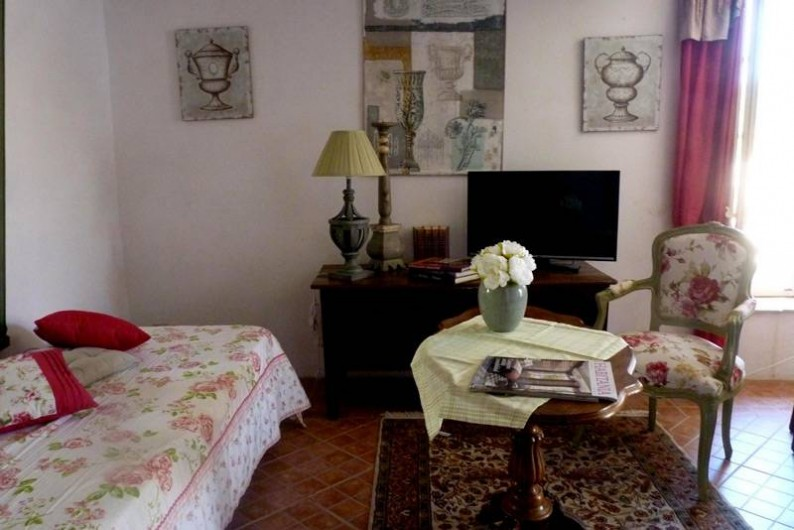 """Location de vacances - Chambre d'hôtes à Brue-Auriac - Suite """"La framboisine"""""""