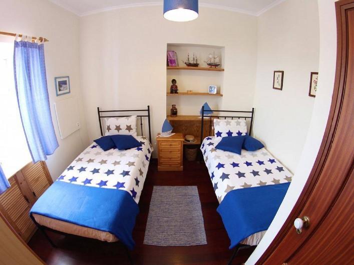 Location de vacances - Villa à Estreito da Calheta - Chambre à deux lits individuels