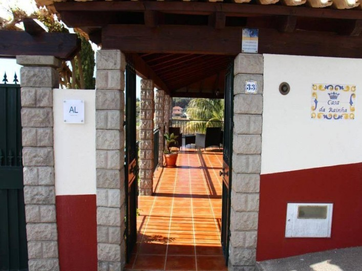 Location de vacances - Villa à Estreito da Calheta - Entrée principale (vue de l'extérieur)