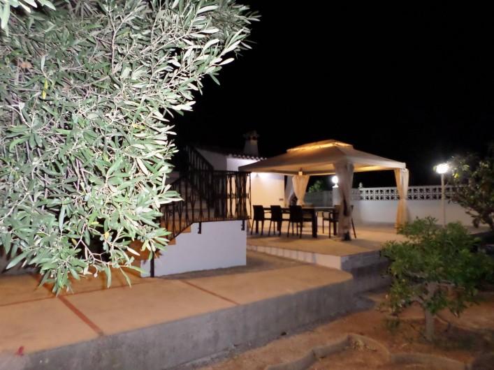Location de vacances - Villa à Dénia - TERRASSE AVEC MOUSTIQUAIRE