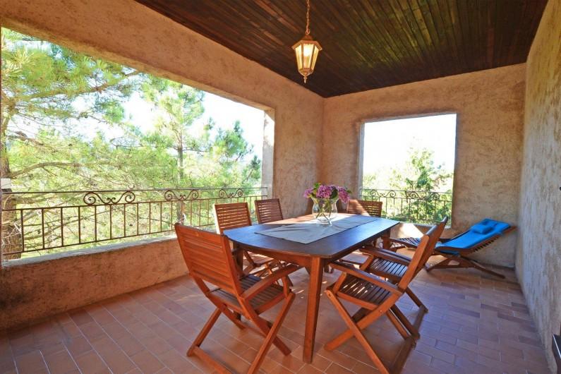 Location de vacances - Villa à Porto-Vecchio - TERRASSE COUVERTE