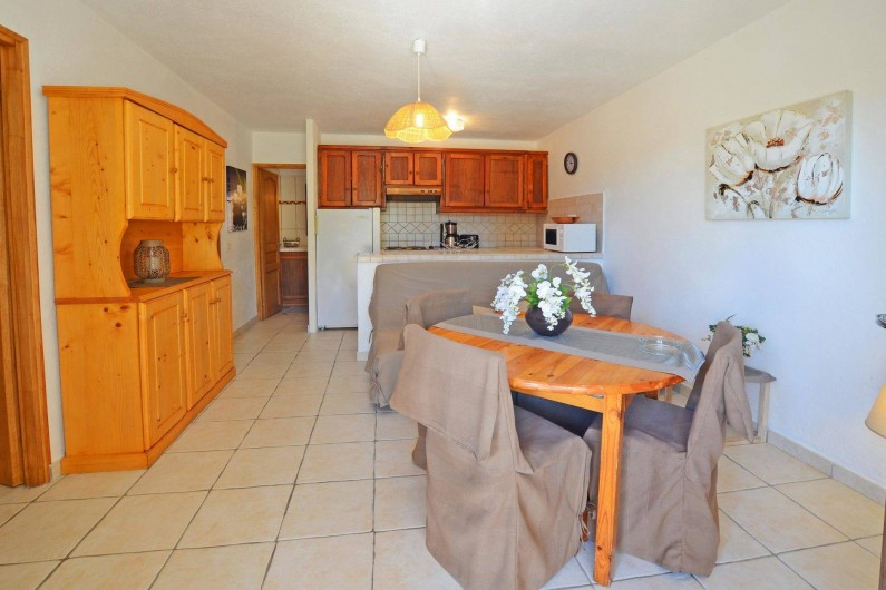 Location de vacances - Villa à Porto-Vecchio - SEJOUR  ET COIN CUISINE villa 1 ou 2