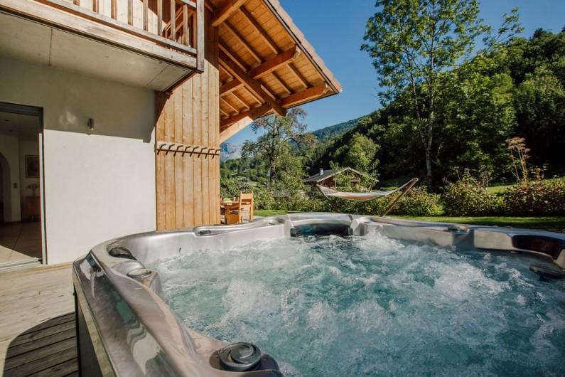 Location de vacances - Chalet à Samoëns - Salle de bain avec douche, chambre 3