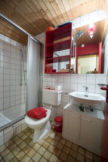 Location de vacances - Appartement à Fieschertal - Douche et Toilette Appartement  Seppi