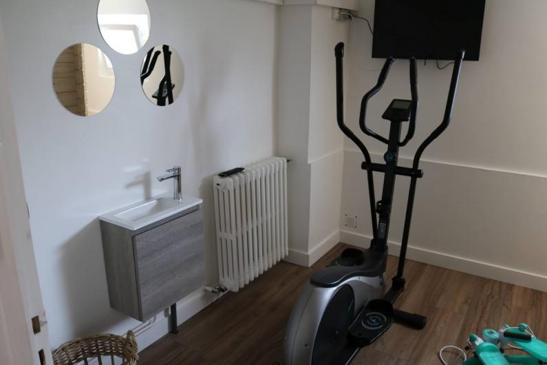 Location de vacances - Appartement à Aix-les-Bains - Les installations de sport, vélo elliptique et stepper