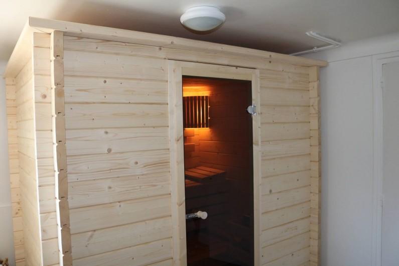 Location de vacances - Appartement à Aix-les-Bains - la cabine sauna massif, four traditionnel dans la pièce sport au rez de jardin