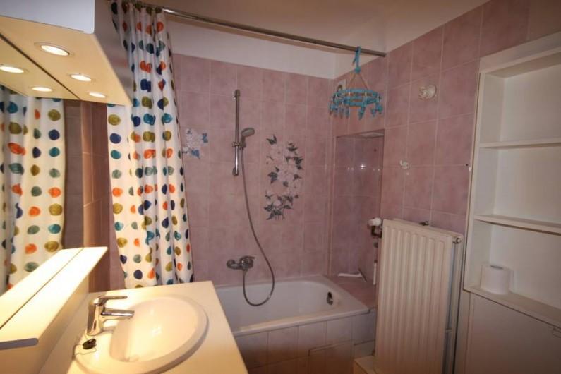 Location de vacances - Appartement à La Panne - Salle de bain 1 : 1 baignoire + WC
