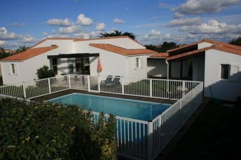 Location de vacances - Maison - Villa à Sainte-Marie-de-Ré - Piscine et maison