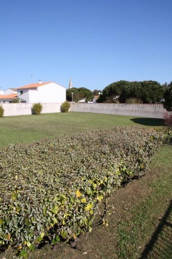 Location de vacances - Maison - Villa à Sainte-Marie-de-Ré - Jardin clos de murs