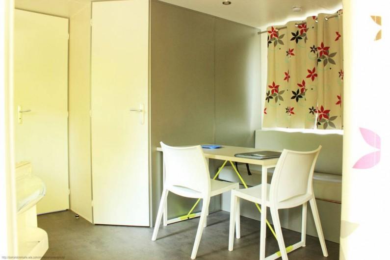 Location de vacances - Camping à Castelbouc - Intérieur mobil home