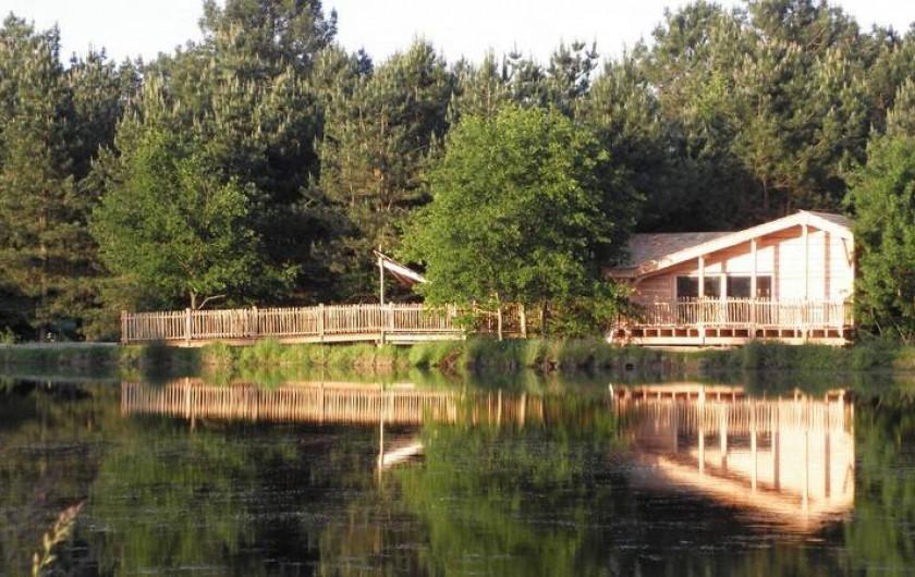 Location de vacances - Cabane dans les arbres à Sainte-Pazanne - La cabane du pêcheur
