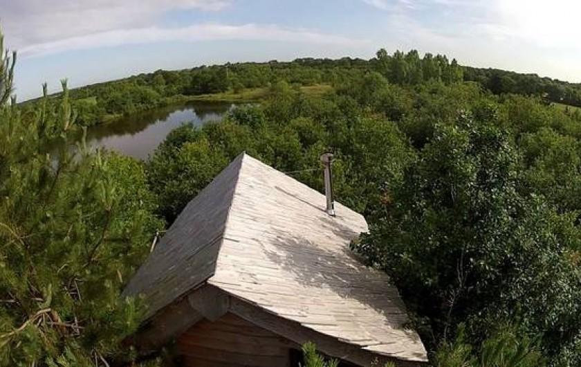 Location de vacances - Cabane dans les arbres à Sainte-Pazanne - Au dessus de la cabane du trappeur