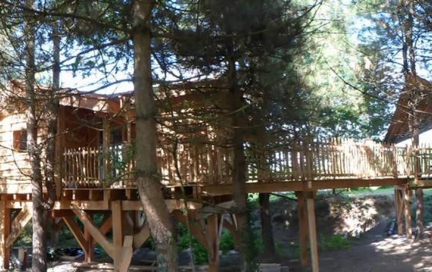 Location de vacances - Cabane dans les arbres à Sainte-Pazanne - La cabane du pêcheur de dos