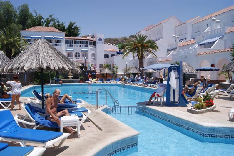 Location de vacances - Appartement à Los Cristianos - Pataug.Piscine, maître-nag. Fond=resto bar, super.te et ascens.