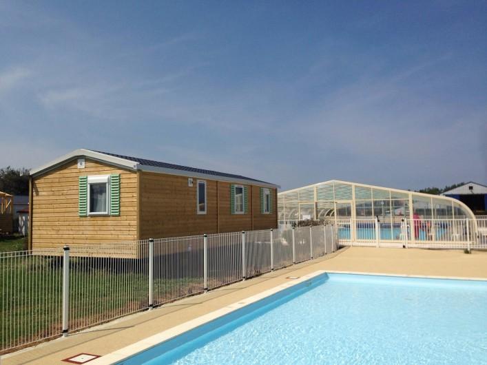 Location de vacances - Bungalow - Mobilhome à Grandcamp-Maisy - Mobil Home, pataugeoire et piscine couverte
