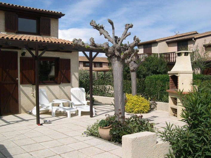 Location de vacances - Maison - Villa à Portiragnes Plage - Terrasse au printemps
