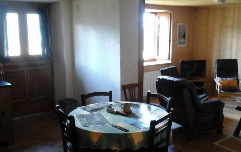 Location de vacances - Appartement à Servoz - cuisine /salon