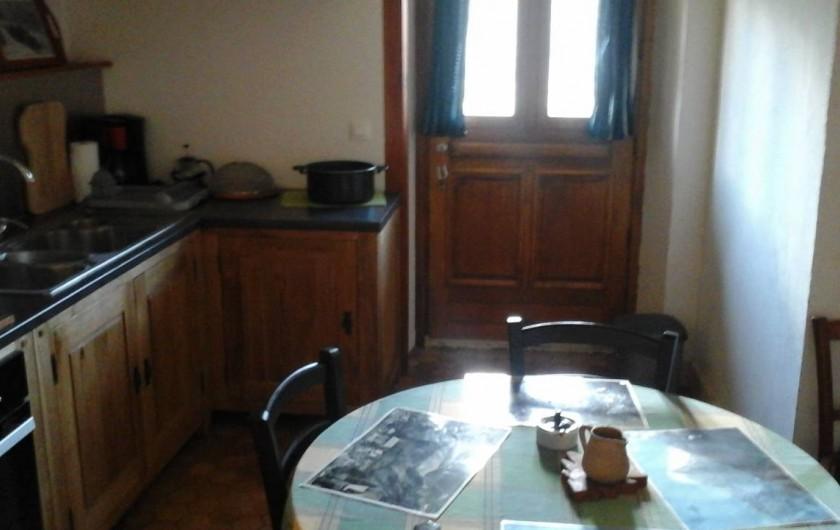 Location de vacances - Appartement à Servoz - cuisine Sud