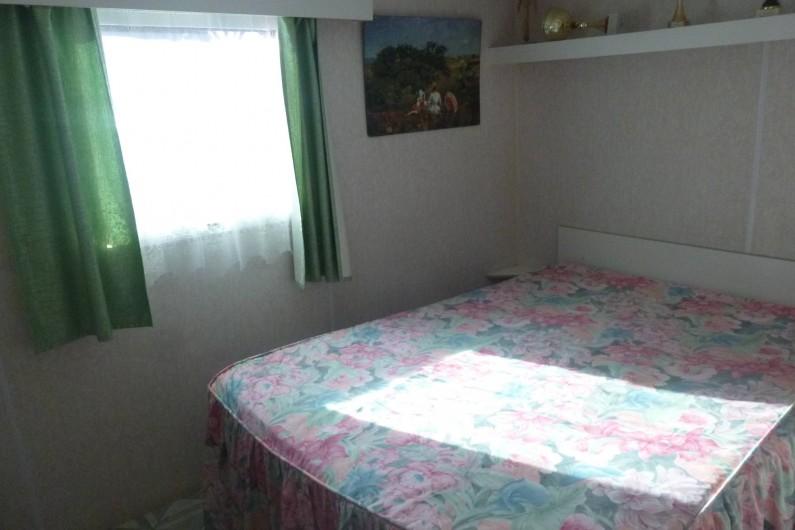 Location de vacances - Bungalow - Mobilhome à Hyères - chambre lit double 1m40