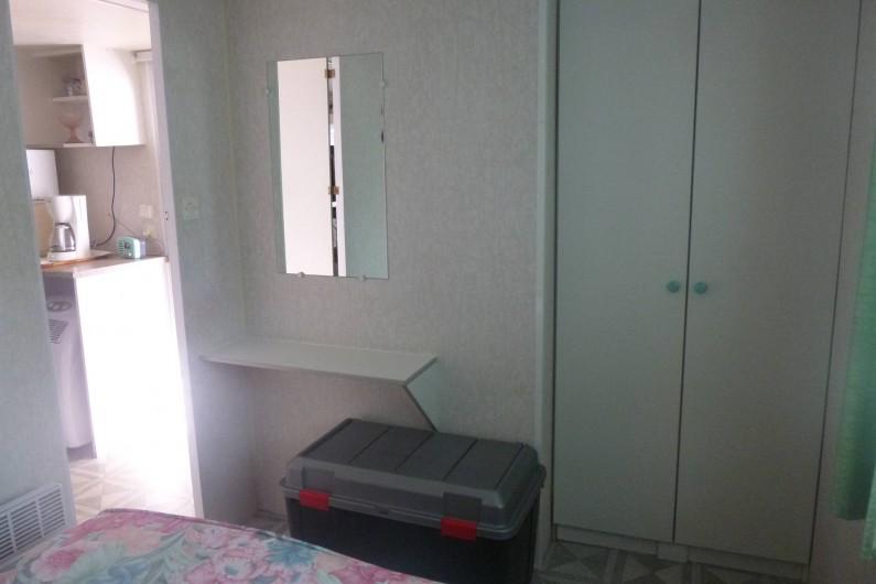 Location de vacances - Bungalow - Mobilhome à Hyères - chambre double suite photo 8