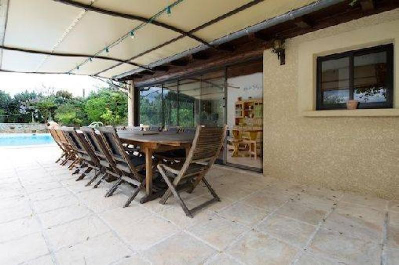 Location de vacances - Villa à Vézénobres - ENTREE POOL HOUSE