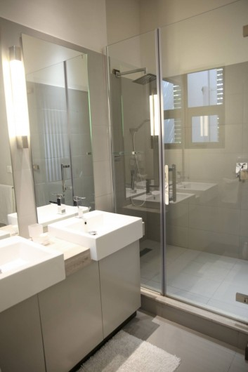 Location de vacances - Appartement à Rivière Noire - Salle de Bain attenante de la Chambre Principale