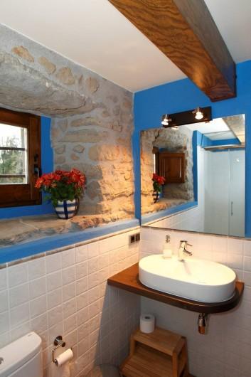 Location de vacances - Mas à Gérone - Bain étage bas