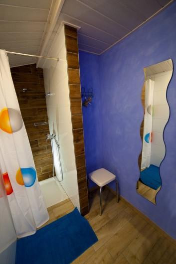 Location de vacances - Appartement à Oberrœdern - La salle de bain attenante à la chambre 2