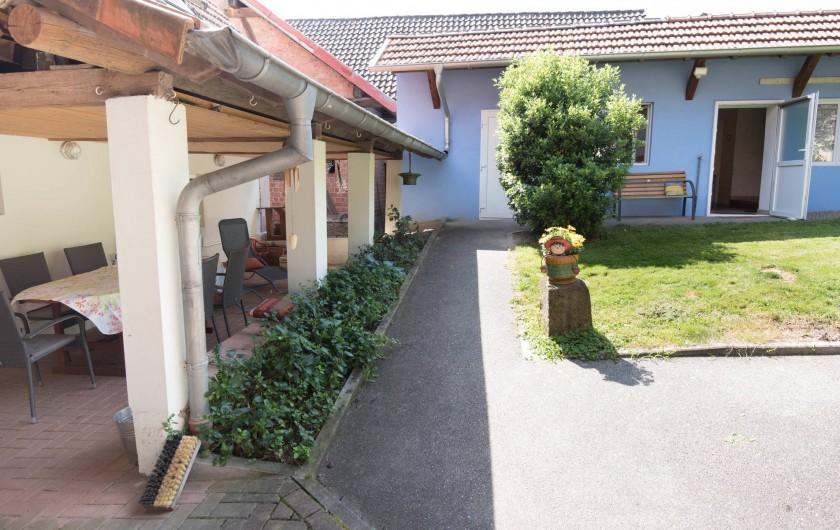 Location de vacances - Appartement à Oberrœdern - De la terrasse vers la chambre 2 du gîte