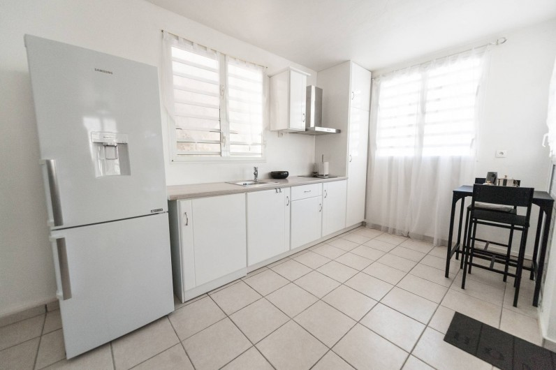Location de vacances - Studio à Sainte-Anne - Carambole : Espace cuisine et petit-déjeuner