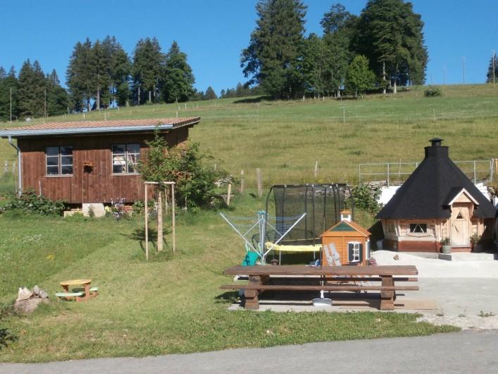 Location de vacances - Appartement à La Chaux-de-Fonds - Terrasse