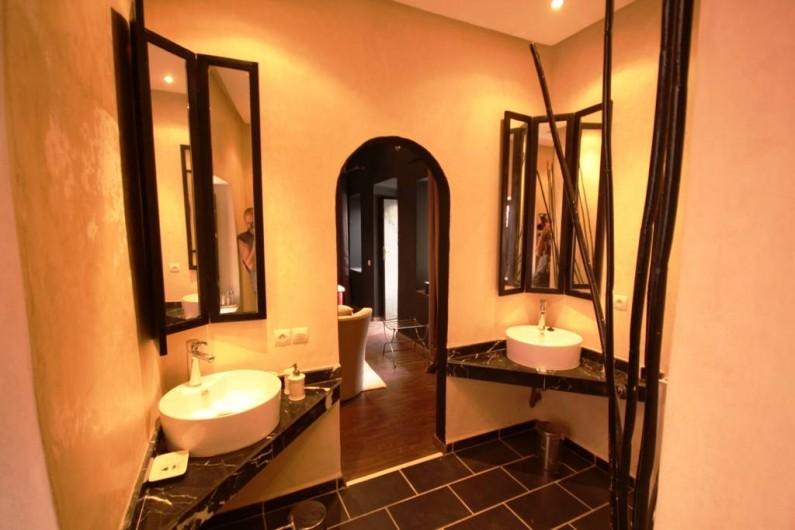 Location de vacances - Chambre d'hôtes à Marrakech - Salle de bain Ivoire