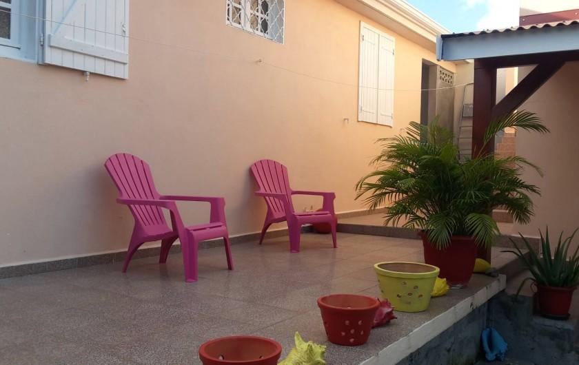 Location de vacances - Studio à Sainte-Anne - Espace extérieur détente