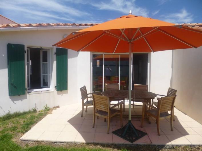 Location de vacances - Villa à Ars-en-Ré - Terrasse plein sud