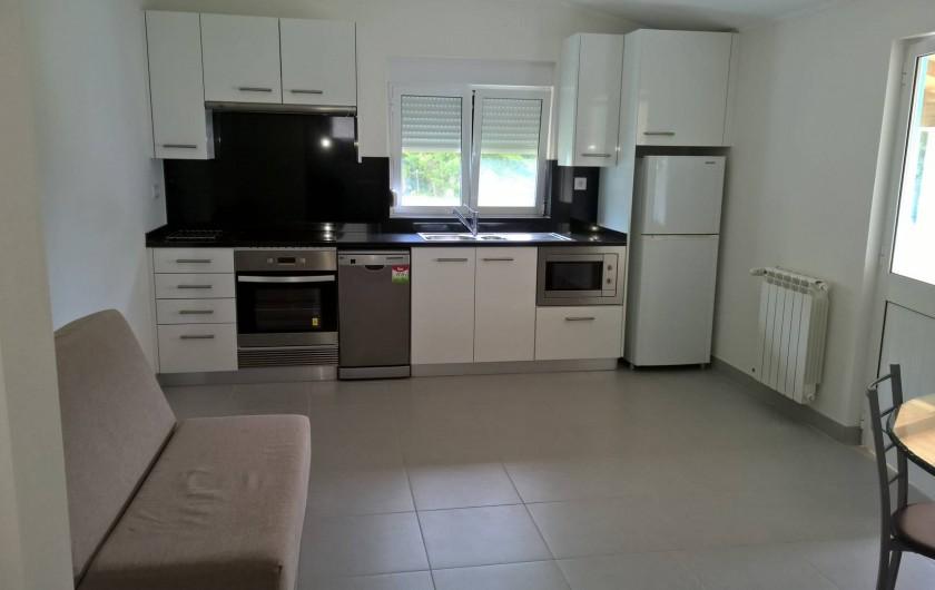 Location de vacances - Maison - Villa à Casal da Granja - Casa Pequena Cuisine / Séjour 1