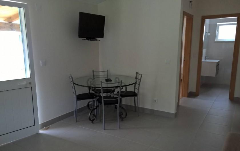 Location de vacances - Maison - Villa à Casal da Granja - Casa Pequena Cuisine / Séjour 2