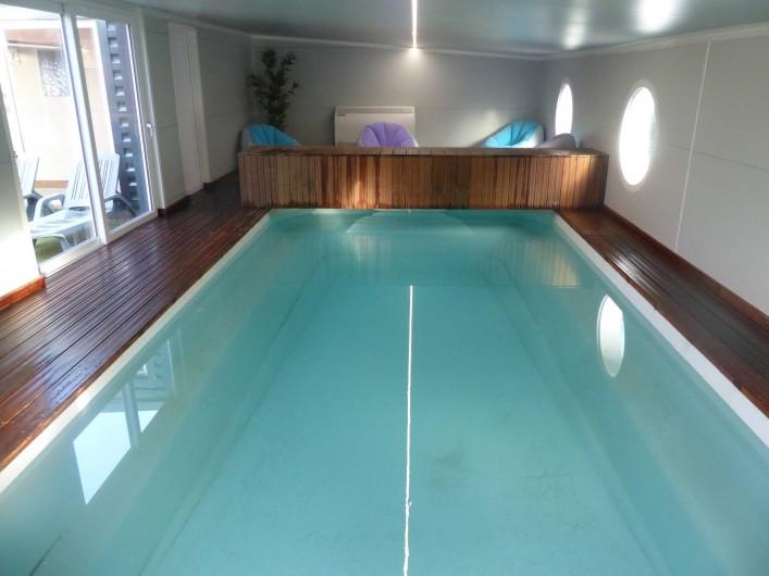 Maison 8 personnes piscine interieure chauffee toute l - Piscine de croix de chavaux ...