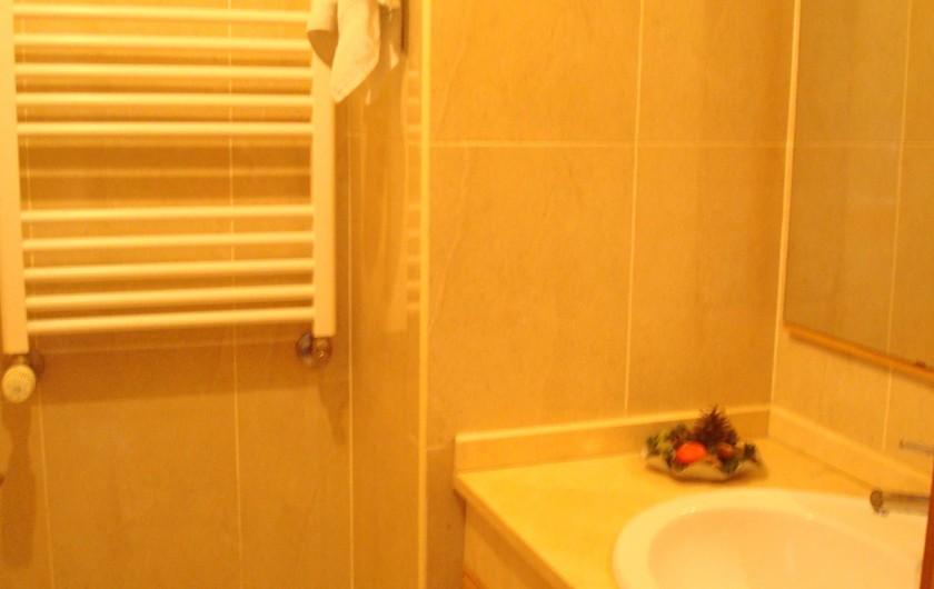 Location de vacances - Villa à Cepães - salle bain 2
