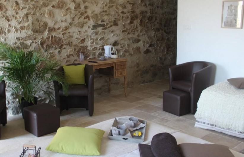 Location de vacances - Chambre d'hôtes à Saint-André-de-la-Marche - Petit salon de la chambre Nature