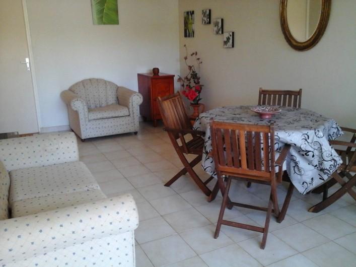 Location de vacances - Appartement à Fort-de-France - Salle à manger