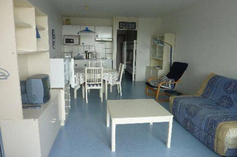 agr able appartement t1 bis aux minimes la rochelle vue sur mer fort boyard et les iles. Black Bedroom Furniture Sets. Home Design Ideas