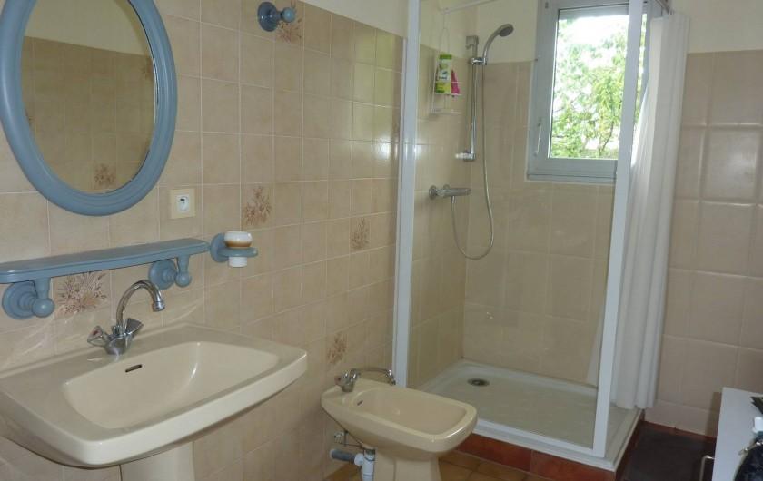Location de vacances - Villa à Névez - Salle de bain