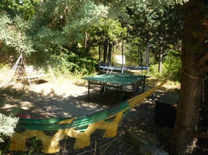 Location de vacances - Gîte à Saint-Privat - Ping-pong et trampoline