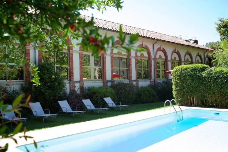 Location de vacances - Hôtel - Auberge à Saint-Jean-du-Gard - La piscine avec une eau à 27°