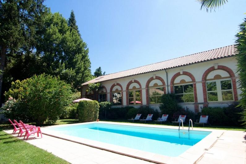 Location de vacances - Hôtel - Auberge à Saint-Jean-du-Gard - La piscine et la Filature
