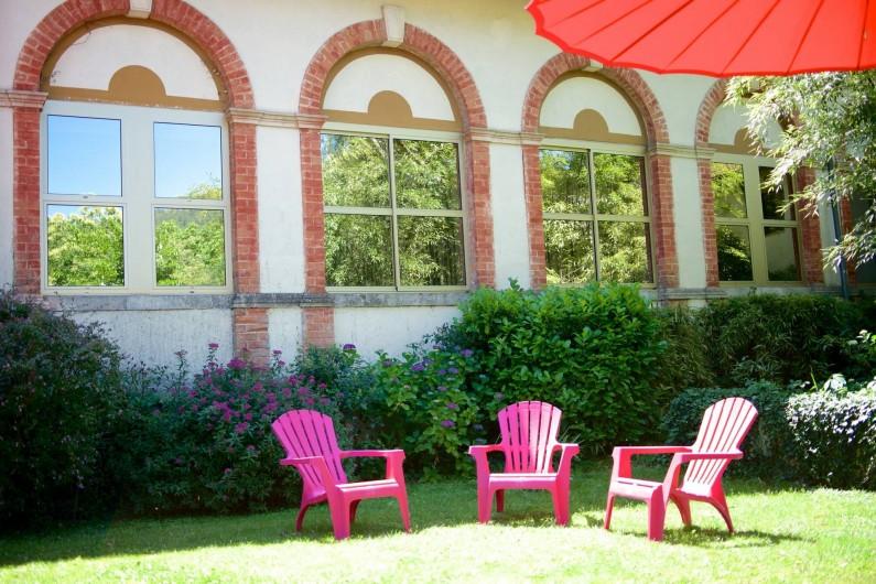 Location de vacances - Hôtel - Auberge à Saint-Jean-du-Gard - Coin lecture au jardin