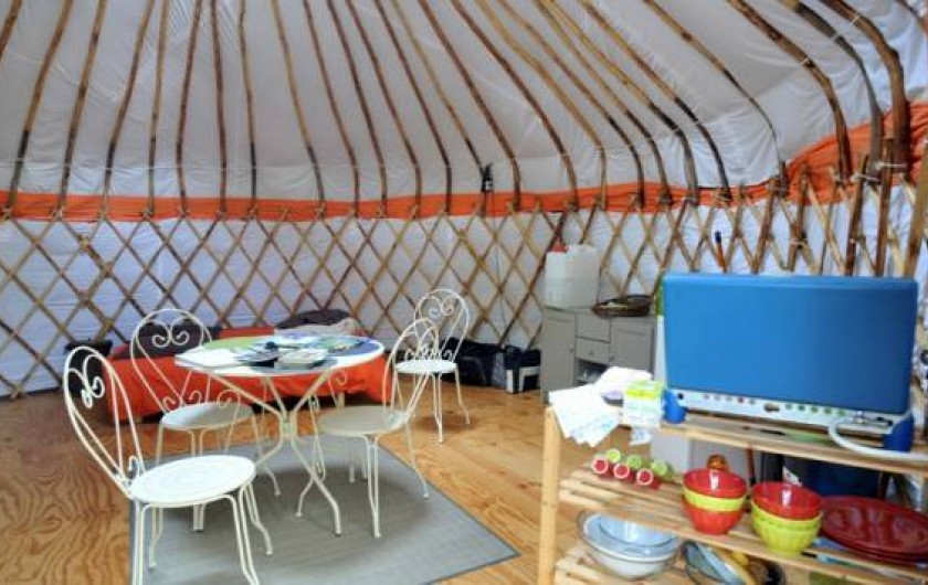 Location de vacances - Yourte à La Grève-sur-Mignon - yourte gîte familiale (5p) : lit double et superposé, kitchenette