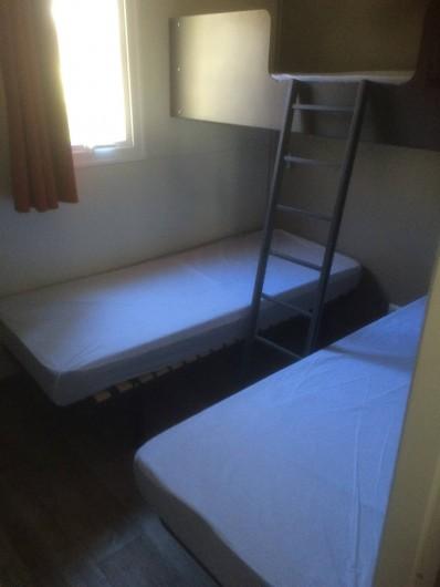 Location de vacances - Chalet à Vogüé - Chambre 2