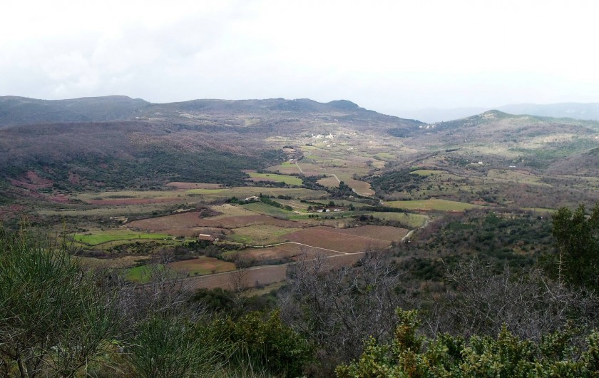 Location de vacances - Villa à Le Puech - Balade proche de la villa en VTT ou à pied.