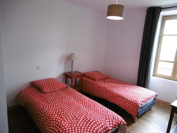 Location de vacances - Gîte à Saint-Chély-d'Aubrac - 2 lits en 90